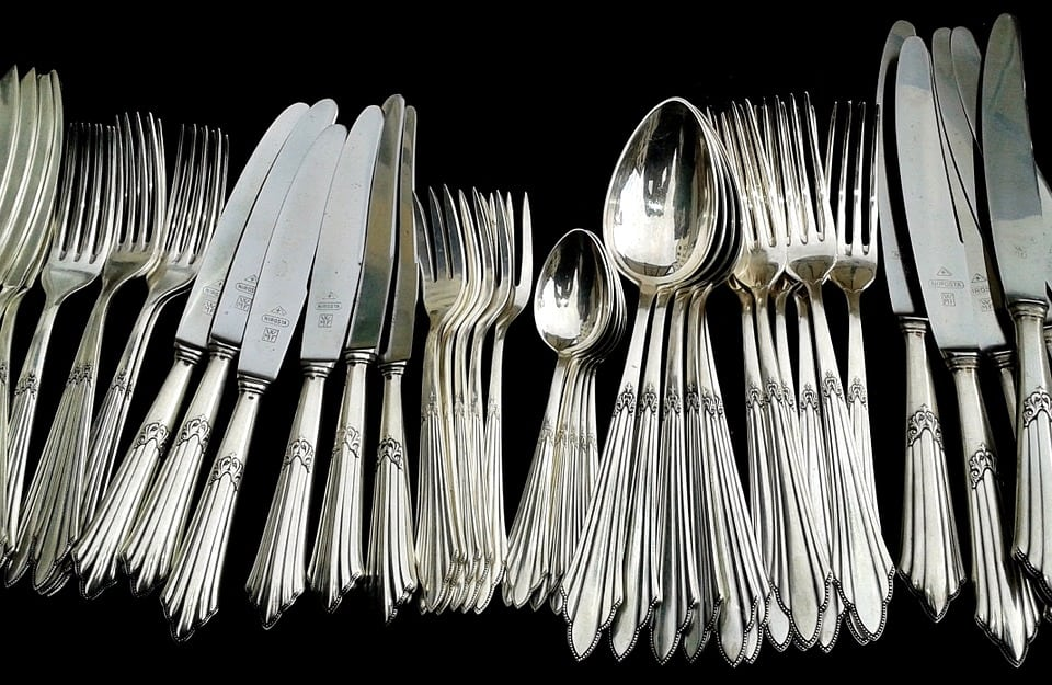 Effective Ways You Can Think For Cleaning Silverware